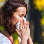 mujer alergia primavera nariz remedio